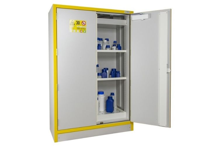 une armoire phytosanitaire